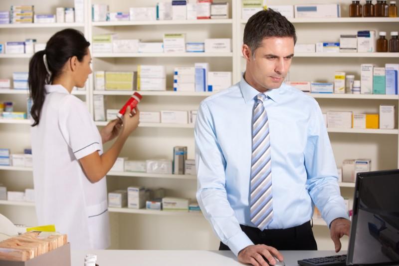 A Hálózati Gyógyszertárak Szövetsége a gyógyszertárakat érintő építményadó újragondolását javasolja