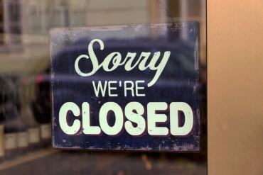 Kérdések a nyitva és a zárva tartásról