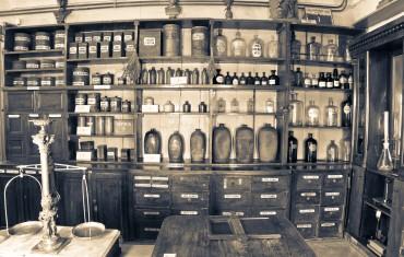 Mi a baj a gyógyszertár áthelyezéssel?