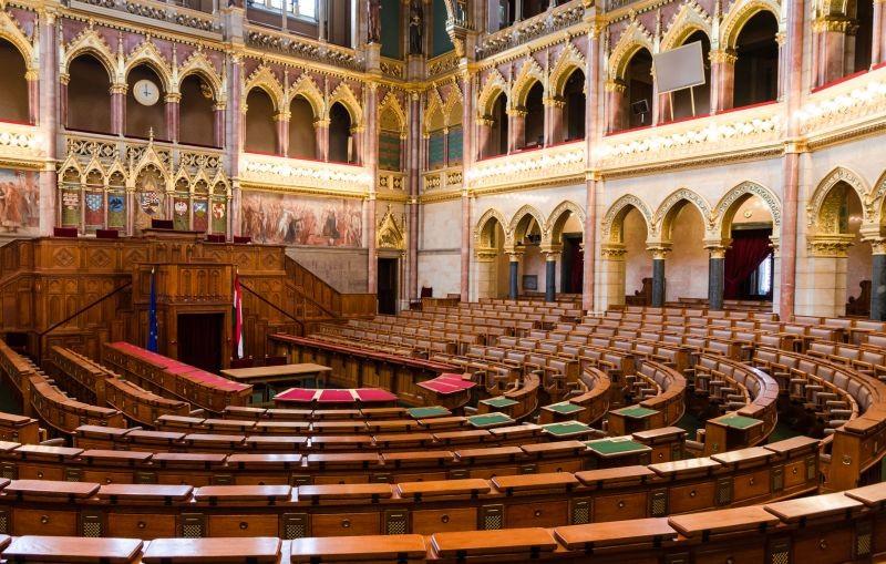 Elkezdődött a bürokráciacsökkentésről szóló törvényjavaslat vitája a Parlamentben